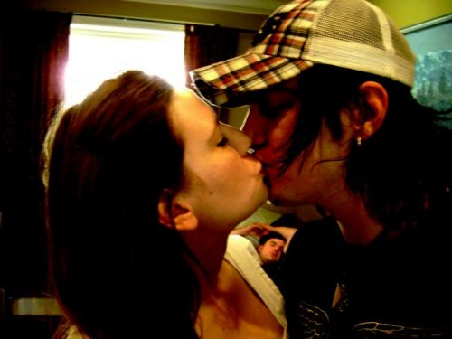 awg33:  Adam Gontier and Naomi Faith Brewer, 2007  FJGNKEJNGK OH MY GOD THIS IS TOO CUTE<3