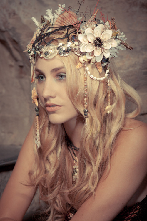 conjuringseed:  needsmoremohawk:  want mermaid accessories   oh goodness n_____n