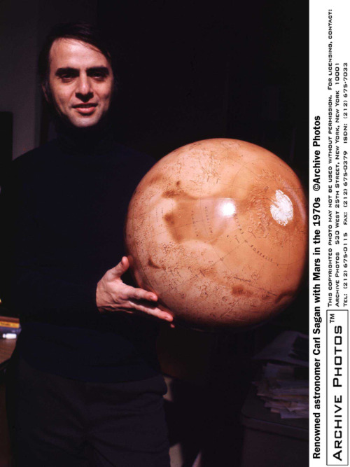 physicsphysics:  grapesofmath:  Sagan  Ballin'.