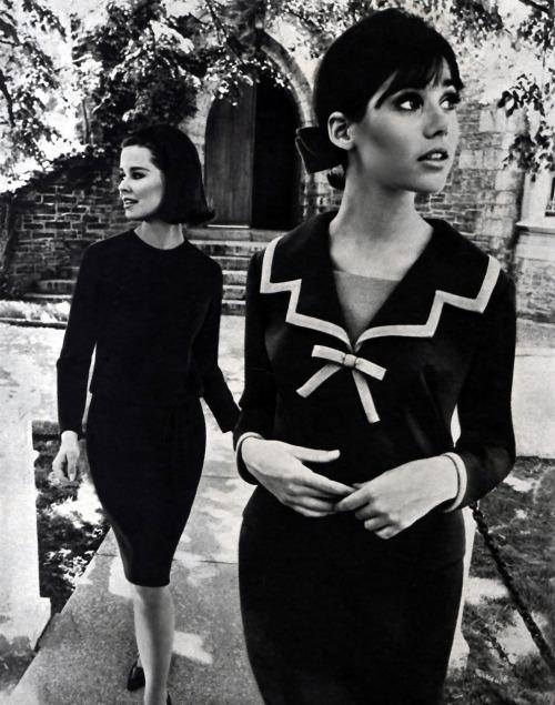 thisfemaleform:forties-fifties-sixties-love:  Seventeen 1964