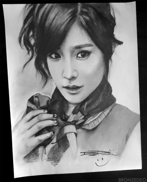 Finished my Tiffany drawing ;) HEY LOOK. I'M UPDATING MY TUMBLR :DDDDDD *edit: 6-7 hours started on the 20th finished on the 22nd