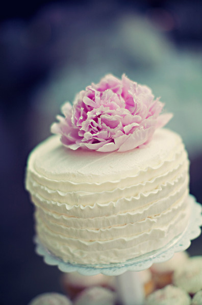 weddingwhimsy:  Obsession: Ruffly Icing. Obsession: Peonies. Oh look, this is perfection!!!   well said ;)