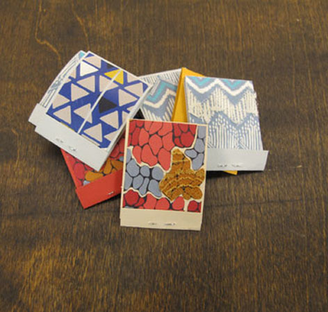 DIY Matchbook Notes | Fossil Blog If you're looking for a really cool alternative to a Birthday Card, how about these!? Write something lovely in the front and they can chuck it in their bag to use later for notes. Best part - every time they use it they'll see your sweet message! I love the sandpaper 'striker' on the back too - totally authentic!