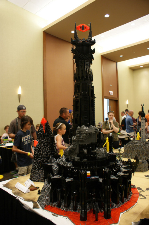 itlego:  LEGO Barad-dur  - by Kevin J. Walter Created for Brickworld 2011. Check out tons of pictures of this amazing piece at Kevin's flickr. For easy reference, a size comparison shot below:   (lead picture and Brickworld shots by Joe Meno)