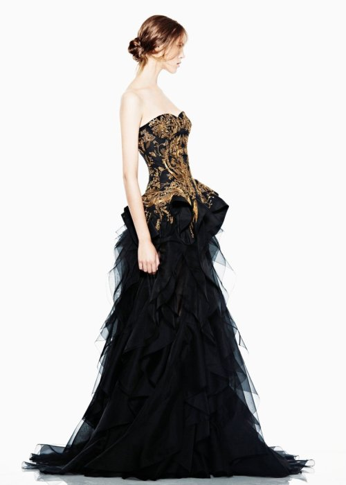 heartofmermaid:  Alexander McQueen Resort 2012   wow this is stunning
