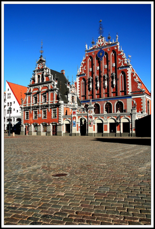 The House of Blackheads, Riga, Latvia (via TrekEarth)
