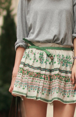 bella-illusione:  floral skirt from zara grey tee from hubby's wardrobe