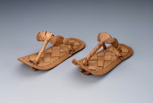 Sandals, 1550-1186 BC Egypt, MFA Boston These are teeny tiny.  They must have been for a child or a very small woman.