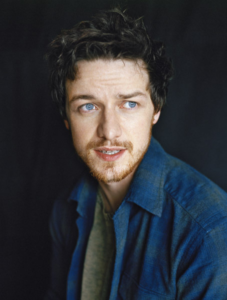 -aa:  blue eyes, dark hair, red-ish scruff, sign me up.