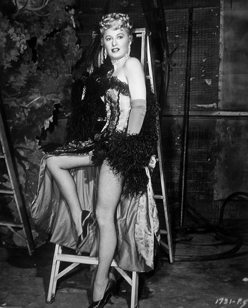 stardustmelody:  Barbara Stanwyck is 45 here…