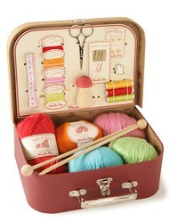 Suitcase Knitting an