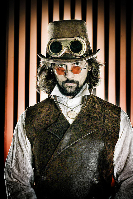 steampunkgentlemen:  Steampunk costume test…(self portrait) by Zuiun on Flickr.  Freaking awesome! *_*