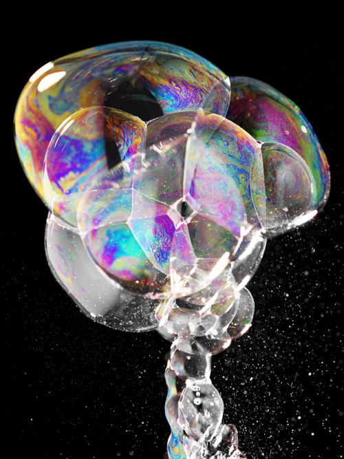 Bubble Atom Bomb - by Gisel Florez