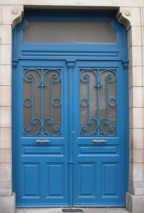 elinka:  Two blue doors, Paris, France By cocoi_m