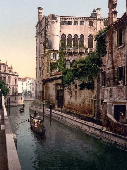 """Historical Europe"".. Rio San Trovaso and palace, Venice, Italy between 1890 and 1900 (via Vintage Europe / Rio San Trovaso and palace)"