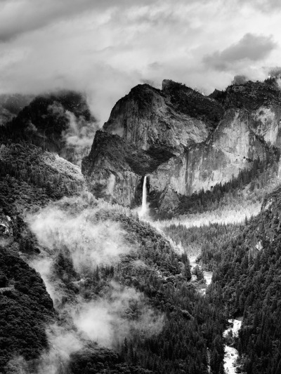 "black-and-white:  (via 500px / Photo ""The Bride's Veil"" by Jim Patterson)"