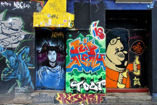 Uploaded a couple of Montréal graffiti pics today. Enjoy!