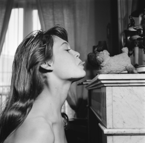 retrogasm:  Bardot