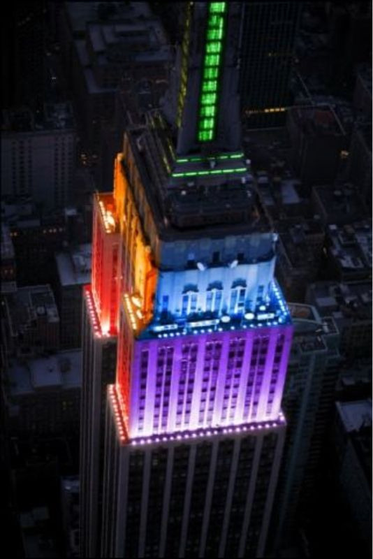 saynethingb:  The empire state building lit up in different colors to celebrate that New York has officially made gay marriage legal! Yayyy progress!    Reblog! This is a big freaking deal!