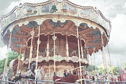 bitznpieces:  Paris Carrousel (by LydiaJosefine)
