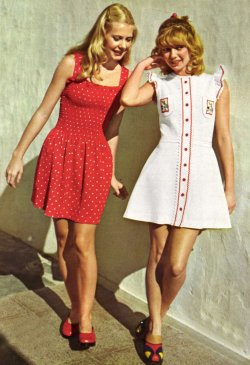 fancydancynancy:  60s-girl:  superseventies:  1970s summer fashions.  These are the cutest outfits ever! I really need some new clothing…  ❤ Vintage Wonderland ❤