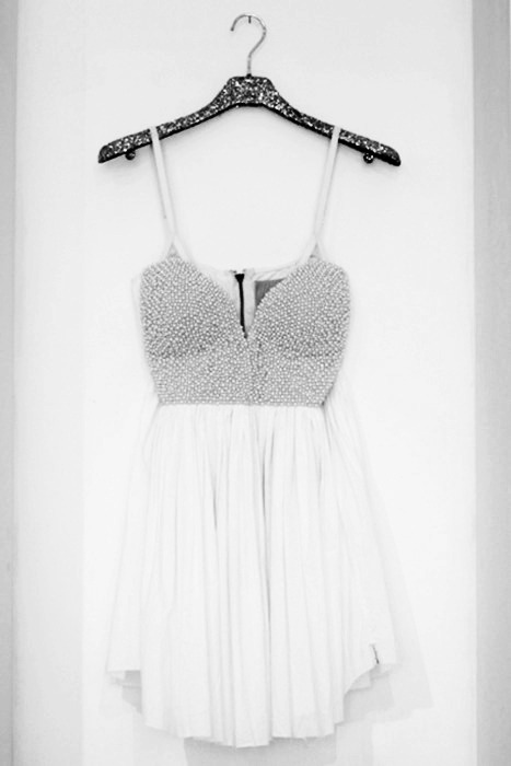 "summmerismyforever:  HIPSTER DRESS GIVEAWAY! and i always folllow back! THIS IS; a beautiful dress, i bought it for a party online and it looked bad on me, so im giving it away! dont ask me where i got it because my mom got me it so i have no clue. but good luck! THESE ARE $$: FREE. I WILL SHIP WORLDWIDE. thank god. THIS IS SIZE; 3  I WILL CHOOSE: the winner JUNE 30th! randomly! MUST BE FOLLOWING: http://summmerismyforever.tumblr.com/ http://summmerismyforever.tumblr.com/ no likes please & REBLOG ONCE. if you reblog more than once you'll be disqualified. PLEASE DONT MESSAGE ME saying : oh can i please have them please"" NO. disqualified ha."
