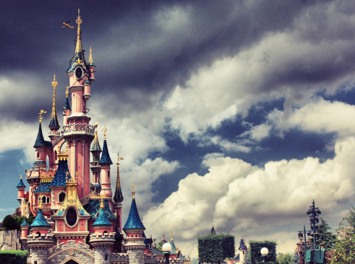 mickeyandminnie:  (by Mahmoud.M)  I WANT TO GO TO THERE.