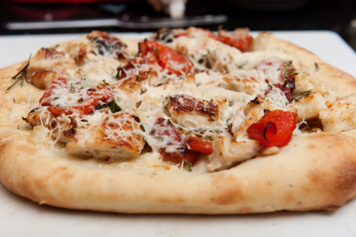 Chicken, Roasted Garlic and Red Pepper Flatbread