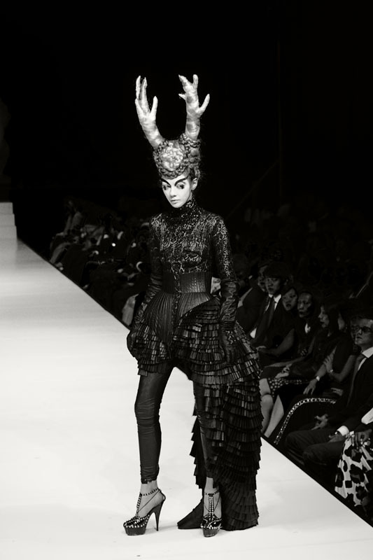 """ Lady Gaga's designer Marko Mitanovski's showcase. Didn't really have the time to post these photos until now. Yes I was still using the Nikon D300. The photographer's pit was not too bad. I still have a lot of room to change lenses, reach to my pocket to get my phone for a twit or two "" Kuala Lumpur - Malaysia 70-200 mm F2.8 Nikon D300 Black & White Custom Copyright © 2010 Simaaron Photography 