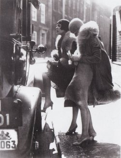 missfolly:   Tauentzien Street Team, Berlin, 1920s