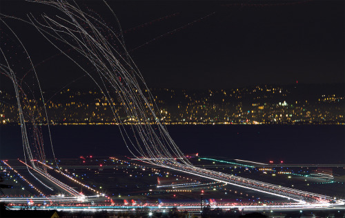 airplanes taking off, extra long exposure.