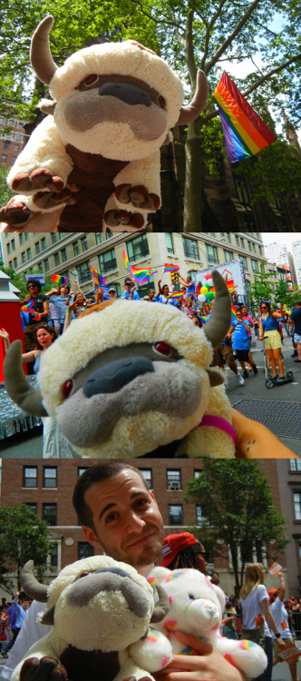 APPA CELEBRATED MARRIAGE EQUALITY AT THE PRIDE PARADE TODAY IN NEW YORK CITY.  BWAAAAAAWOOOOOOOOOR.