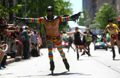 sexisnottheenemy:  tribblesnbits: seattle pride parade | june 26, 2011 | photo by joshua trujillo, seattle pi  fantastic :D