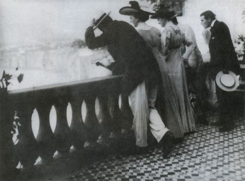liquidnight:Karl Struss  Balcony Sorrento, 1909 Platinum print From New York to Hollywood: The Photography of Karl Struss