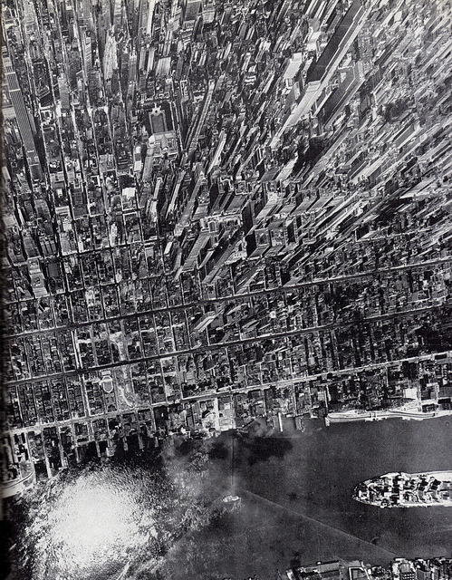 fuckyeahvintage-retro:  Vertical view of Manhattan over 10,000 feet high, 1944
