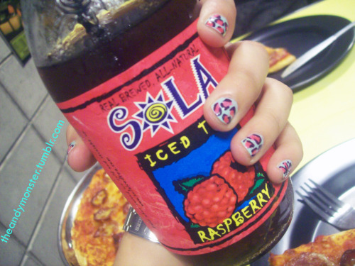 two things I loyk very much: 1. SOLA Raspberry (will never forget the day I discovered this!) 2. leopard prints <3