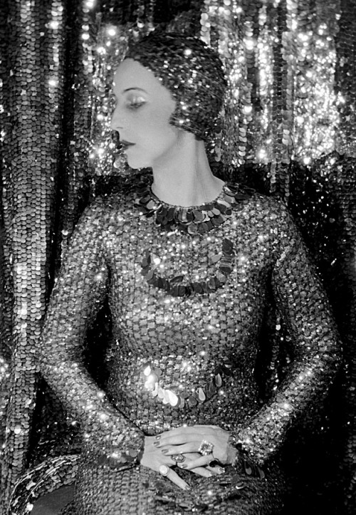 sisterwolf:  Marchioness of Casa Maury, Sir Cecil Beaton 1928