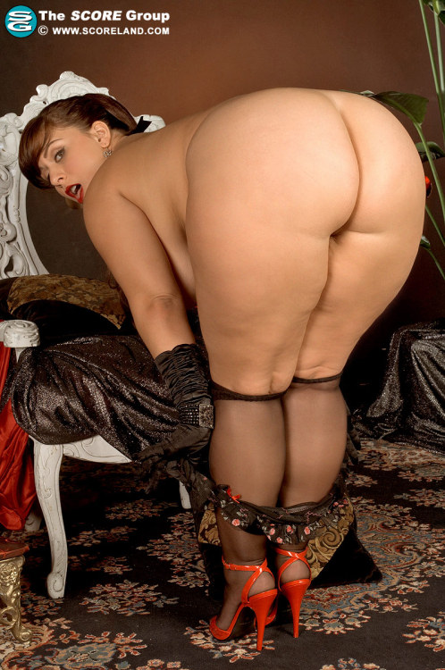 London Andrews. I would tap that! Enjoy. http://gallys.scoreland.com/images/LondonAndrews_19837/?nats=scrg1511.4.2.2.1.7000820.0.0.0&page=/main.php