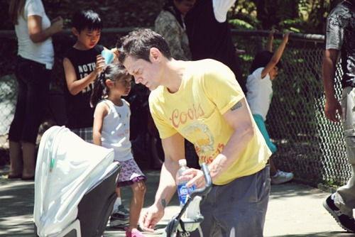 I saw Johnny Knoxville at the LA Zoo. I'm such a paparazzi…