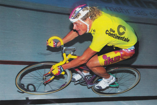 BRUNO RISI 1995   At the Six Days of Dortmund.  Nevermind the hairnet helmet or the mirror-finish Shamals — check out that frame!  Found on the legendary Numerius Flickr.