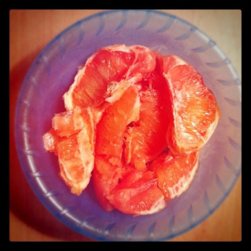 "Just ate a small grapefruit as an appetizer before dinner! It helps fill me up so I'm not tempted to overeat at night.  ""A 2006 study found that beginning every meal with half a grapefruit can help shed unwanted pounds. In a 12-week study, participants who had half grapefruit starters at every meal, lost on average 3.6 pounds compared to others who were not eating the large citrus fruit and only lost on average one pound. Researchers think that plant compounds help to lower insulin levels and the smaller the amount of insulin in the blood after a meal, the more efficiently the body uses food for energy rather than storing it as fat."" http://www.fitsugar.com/Eating-Half-Grapefruit-Before-Every-Meal-May-Increase-Weight-Loss-967847"