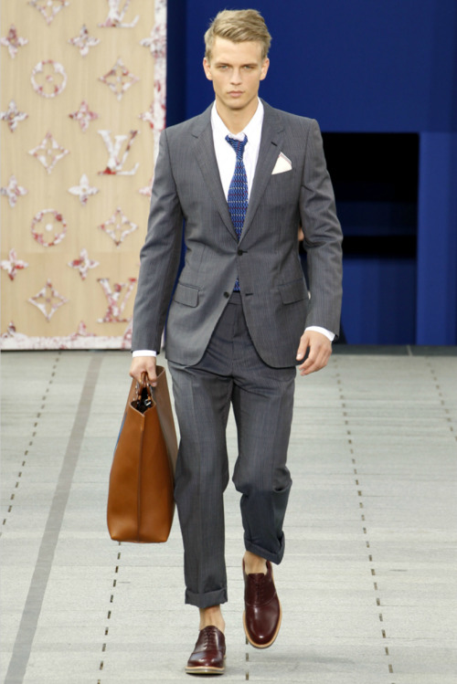 "jhilla:  Louis Vuitton S/S 2012.  Those funky knits ties were fresh  It's worth noting that after clicking through all the runway photos, almost every single item is wearable for the general public, with the exception of those sandals and that huge buffalo-plaid print outfit. I feel like that's pretty rare for a fashion-y runway show, right? I can appreciate that moreso than the ""out there"" stuff. The one thing I really dug? This pocket square. I'm a fan of that red/white/blue stripe along the edges."