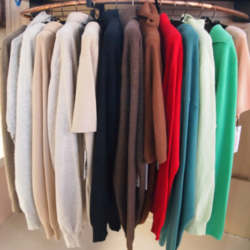 Friperie Cashmere is a girls best friend. Yummy colours vanilla, chocolate, strawberry and peppermint take your pick.