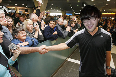 An artist's impression of what I imagine Nadim's welcome home will be like in San Francisco later today! (perhaps without so much sportswear)