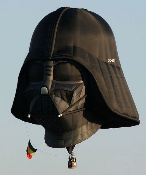DARTH VADER HOT AIR BALLOON! via @fragdolls:  I hear that Vader's just full of hot air now