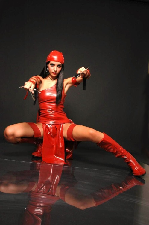 Elektra Via: comicbookcosplay