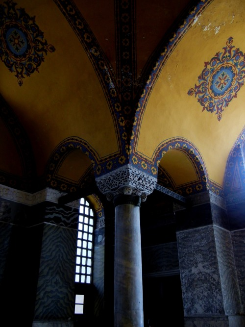 marble pillars to support the once great church and mosque - Aya Sofya (Hagia Sophia) Sultanahmet district, İstanbul, Turkey