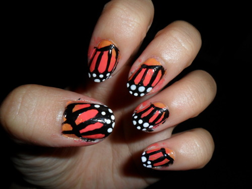 slimthuggah:  Monarch butterfly nails!