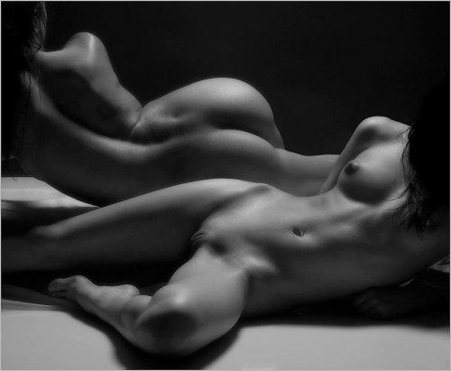 фото черно белое и цветное девушек эротика-эу3