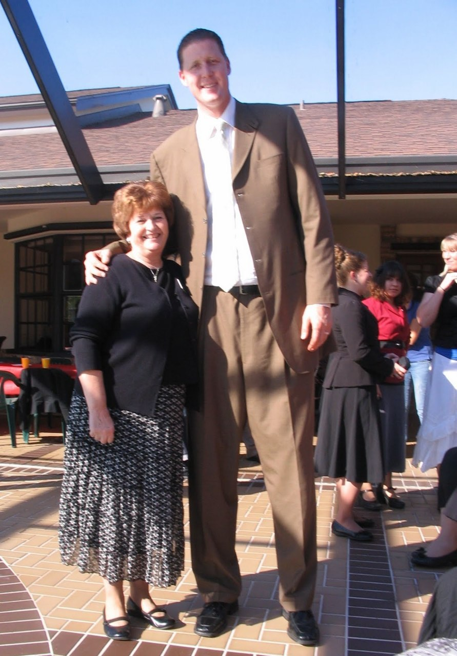 "Shawn Bradley…an inspiration to us all  (7'6"")"